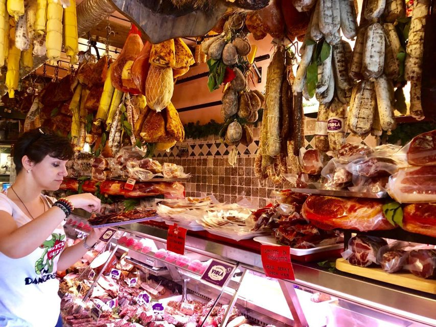 Food market tour in Rome