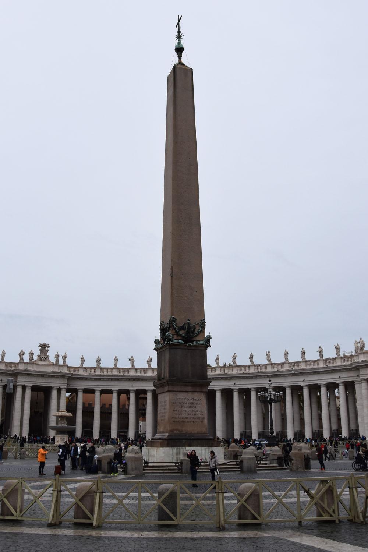 De obelisk op het Sint-Pietersplein in Rome